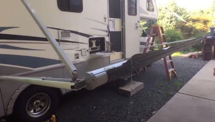 How To Replace An Awning On A Travel Trailer Or Rv Rv Awning Fabric Camper Awnings Aluminum Awnings