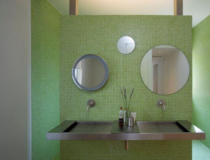 Умывальник – один из главных деталей в ванной комнате. Эта простая деталь может стать очень необыкновенным элементом в ванной. Подбирая раковину необходимо придерживаться стиля цветовой гаммы интерьера, а так же планировки, размера и расположения комнаты. На сегодняшний день существует много моделей умывальников, которые сделаны не только из привычных материалов, но и из стекла, камня и металла.   #строители #поиск_строителей_украины