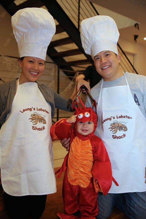 chefs-and-baby-lobster halloween costume for pregnant moms