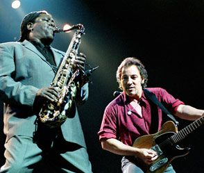 "Bruce Springsteen's Eulogy for Clarence Clemons. ""Clarence doesn't leave the E Street Band when HE dies. He leaves when WE die."" <3"
