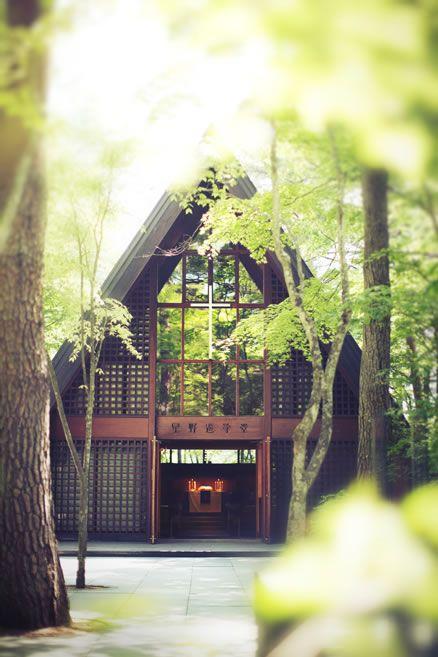 新緑の季節に訪れたい軽井沢高原教会。 軽井沢の見所まとめ。
