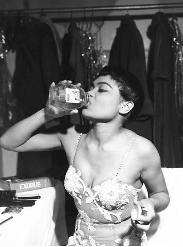 Eartha Kitt backstage, 1959.