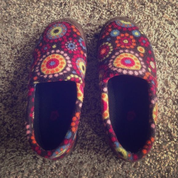 """Acorn Slippers Acorn slippers size """"5-6"""".  Have a little bit of salt staining on the sides. Acorn Shoes Slippers"""