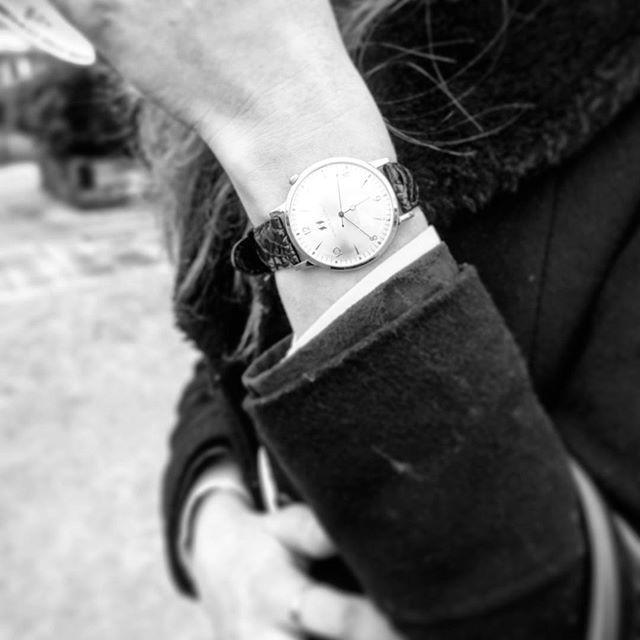 #blackandwhite #minuteazimut #watches  #elegant #timeless #authentic #timepiece #dapper #preppy #women #lady #manners #gentleman