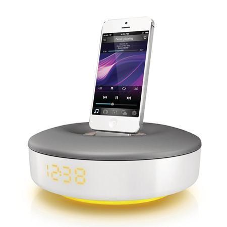 Philips DS1155/12  — 6990 руб. —  Материал корпуса: пластик/ алюминий, Гнездо для iPod/iPhone (Lightning): 1, Страна: КНР, Мощность фронтальных АС: 2 x 3 Вт, Габаритные размеры (В*Ш*Г): 17.7*17.7*10 см, Зарядка USB устройств: Да, Цвет: белый/серый, Совместимость Apple iPhone: 5, 5S, 5C, Зарядка iPod/iPhone: Да, Кабель USB: доп.опция, Вес: 800 г, Совместимость Apple iPod: Touch, Nano, Встроенные часы: Да, Серия: Fidelio, Блок питания: в комплекте, Питание от сети 220 В: Да