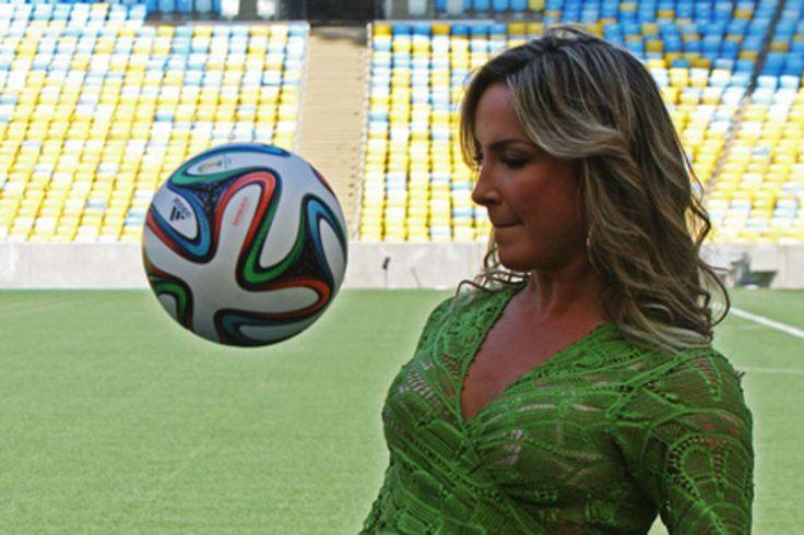 Música oficial da Copa do Mundo é lançada e FIFA revela lista de faixas do álbum | #ClaudiaLeite, #CopaDoMundo2014, #FIFA, #JenniferLopez, #MúsicaOficial, #OneLove, #OneRhythm, #Pitbull, #Shakira