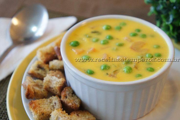 Receita de Sopa Creme de Abóbora com Ervilhas Frescas passo-a-passo. Acesse e confira todos os ingredientes e como preparar essa deliciosa receita!