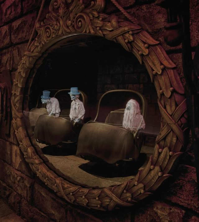 """Imagineering Disney - Haunted Mansion -> """"Beware of hitch hiking ghosts"""""""