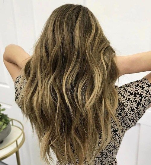 20 wunderschöne Razor Cut Frisuren für scharfe Damen