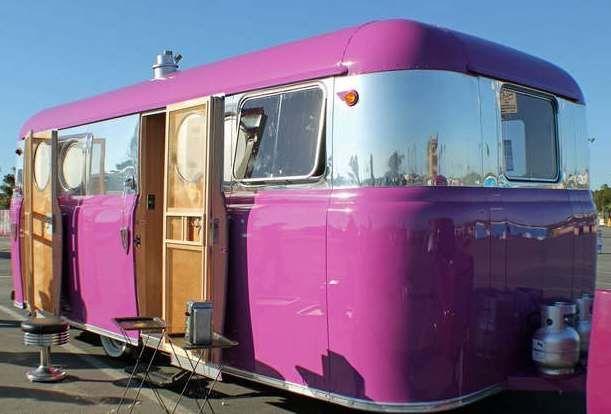 vintage 1950 United travel trailer