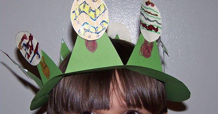 Artesanato pré-escolar: chapéu de Páscoa para meninos. Geralmente, chapéus de Páscoa parecem femininos, com cores pastel e temas sazonais de flores e laços. Mas você tem outras opções. Tire as flores e laços, e tente alguns outros materiais de artesanato para que seus meninos tenham chapéus divertidos para usar na próxima Páscoa.