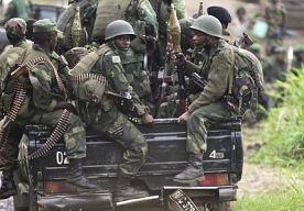 11-Apr-2013 19:24 - LEGER CONGO VERKRACHT ER WEER OP LOS. Opnieuw zijn er berichten dat het regeringsleger van de Democratische Republiek Congo zich aan massale verkrachtingen schuldig heeft gemaakt. Eind vorig jaar trokken de soldaten in het oosten van het Afrikaanse land van het ene naar het andere dorp. Er wordt gesproken van een golf van bruut seksueel geweld.