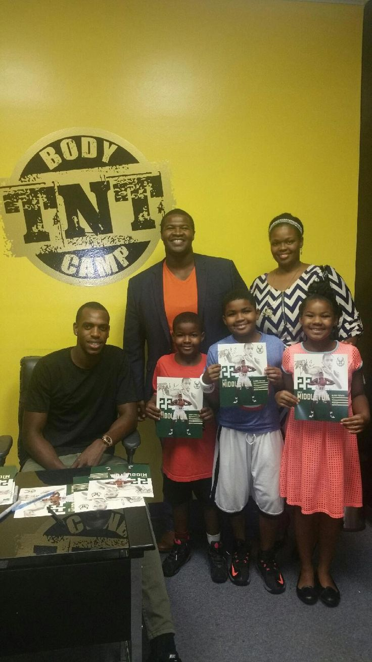 Team Sumo and family at the Khris Middleton Basketball