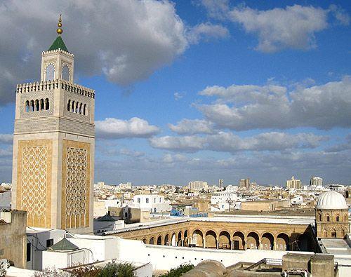 Ez Zitouna Moschee im Tunesien Reiseführer http://www.abenteurer.net/3169-tunesien-reisefuehrer/