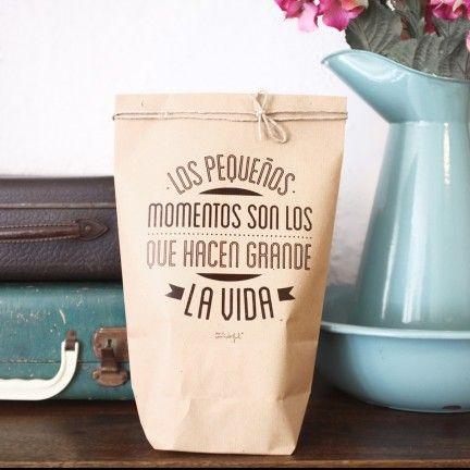 """Pack de 5 bolsas kraft """"Los pequeños momentos son los que hacen grande la vida"""""""
