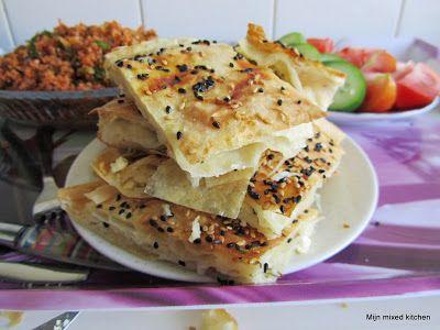 Mijn mixed kitchen: Peynirli börek (Turkse börek gevuld met witte kaas...