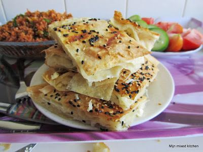 Peynirli börek (Turkse börek gevuld met witte kaas) #borek #Turkseten #Turkishfood