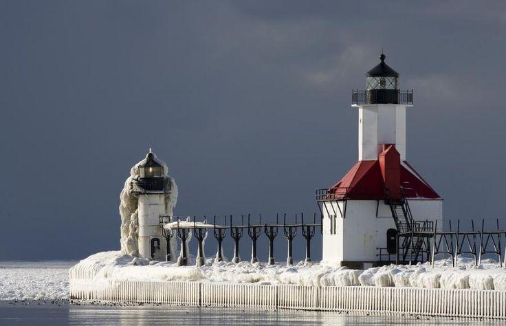 ocallaghan lighthouse eastern shore lake michigan