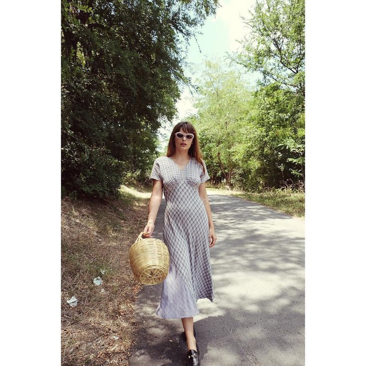 """""""Mi piace"""": 172, commenti: 1 - Pilgrim (@shoppilgrim) su Instagram: """"We are in love with this truly special dress, still available on the site 🌷#shoppilgrim"""""""