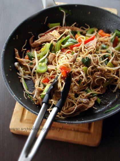 Chow Mein z indykiem - szybka, domowa chińszczyzna