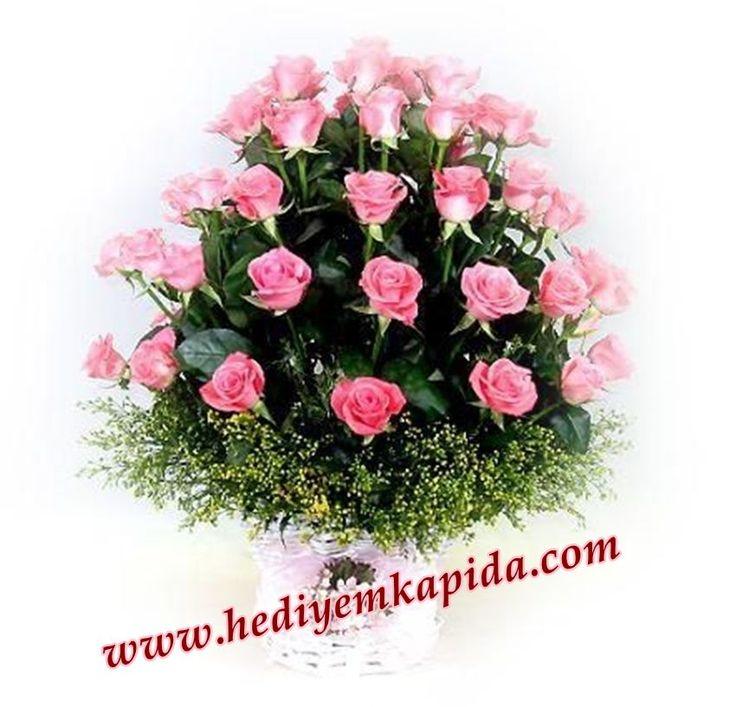 Balıkesir Çiçek 41 Gülü Sepet İçerisine Hazırlayarak Sevdiklerinize Sunuyor. 41 Kere Maşallah Nazar Değmesin Sevgimize Demenin En Kolay Yolu.