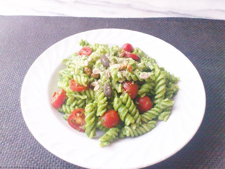 Homemade spinach tomato spirelli w/ mixed kernels & Nutritional yeast flakes! #vegan #organic #glutenfree #healthyeating #nutrition #food