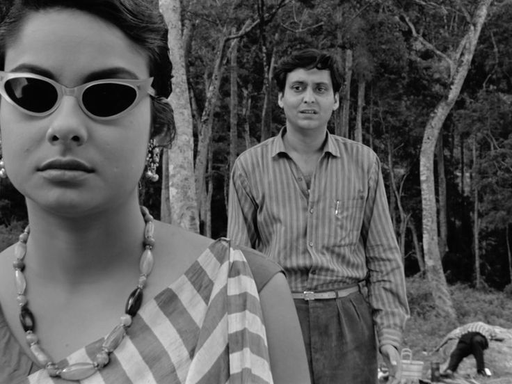 Kaparush (The Coward) directed by Satyajit Ray; Madhabi Mukherjee & Soumitra Chatterjee