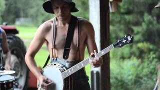 "steven seagulls - YouTube - performing AC'DC's ""Thunderstruck"".  Awesome!"