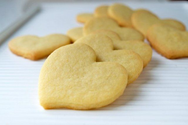 Simple vanilla biscuits