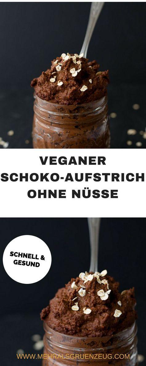 Vegan, gesund und lecker - und in wenigen Minuten zusammengerührt: Schoko-Aufstrich, der ohne Nüsse funktioniert - und mit ganz vielen Haferflocken an ihrer Stelle arbeitet.