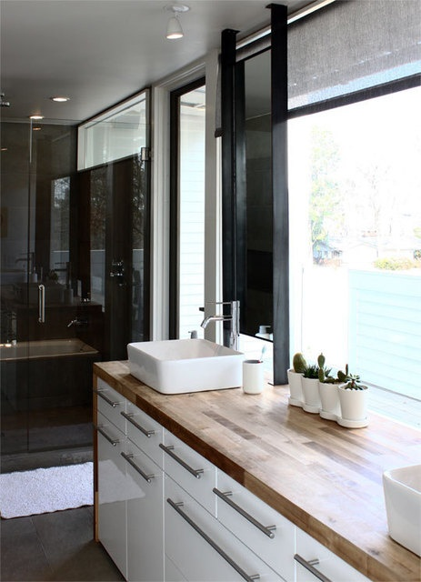 17 best images about huis on pinterest armchairs sean o - Butcher block countertops in bathroom ...