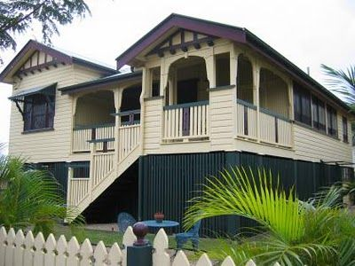 Queenslander homes are known for their large, useable, wrap-around verandahs.  #australianhomes