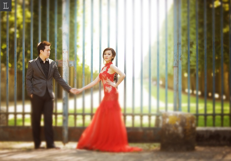 Romance in style #prewedding #photo #portrait #red #nuance