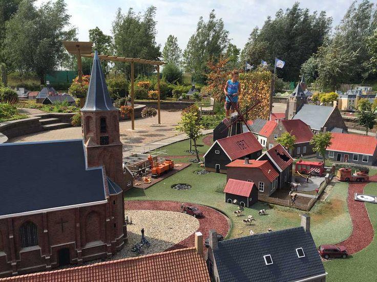Miniatuur Walcheren en het kleinste pretpark bezoek je in een keer! Ga naar Mini Mundi met kinderen en beleef een hele afwisselende dag met het gezin.