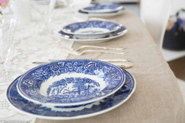 Helblå - blue #borddekking #table setting #wedding #party #selskap #bryllup #konfirmasjon #dåp #rörstrand #utleie