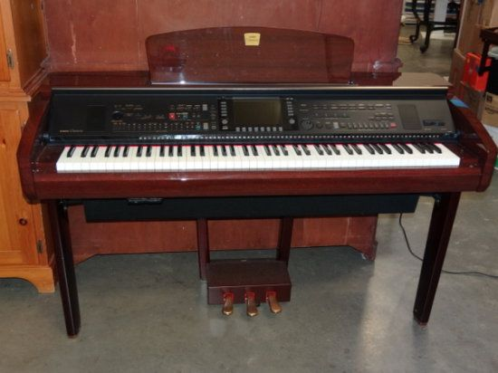 YAMAHA CLAVINOVA ELECTRIC PIANO CVP-309/307 W/ OWNERS MANUEL - Sold $525