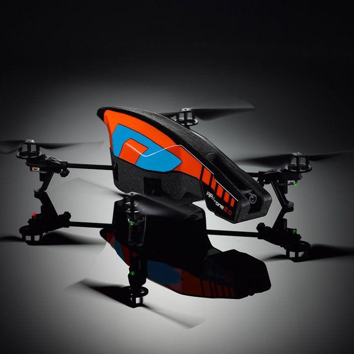 스마트폰으로 조정할 수 있는 녹화 가능한 쿼드로터 AR.Drone 2.0. 내가 너무나 사고싶은 물건입니다. 가격이 만만치 않아 주저하는 중이지만 2.0이 국내에 풀리면 꼭 사고야 말 겁니다.