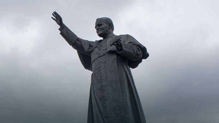 W poniedziałek pierwsza rocznica kanonizacji Jana Pawła II i Jana XXIII #religia