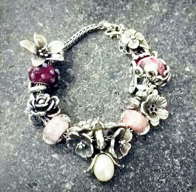 Pale pink and silver flower trollbeads