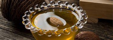 МАСЛО ДЛЯ ВЕК, увлажняет, разглаживает, снимает отёчность на основе масла Сладкого миндаля с эфирными маслами Фенхеля и Мелиссы.