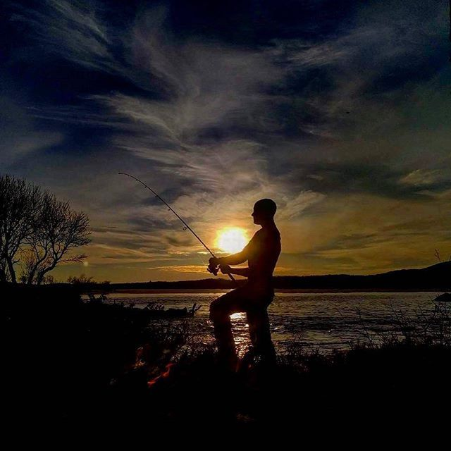 Great capture from @ranoien 💯www.fishspot.no  #fishspot #inatur #sprutnes #fishingtrip #catchandrelease #flyfishing #fluefiske #friluftsliv #onthefly #sunset #travel #instatravel #visitnorway #lifeoutdoors #lifeoutside #turistforeningen #njff #utno #fishing #fishinglife #instafish #instalife #explore #getoutside #getoutthere #getoutstayout #mylife