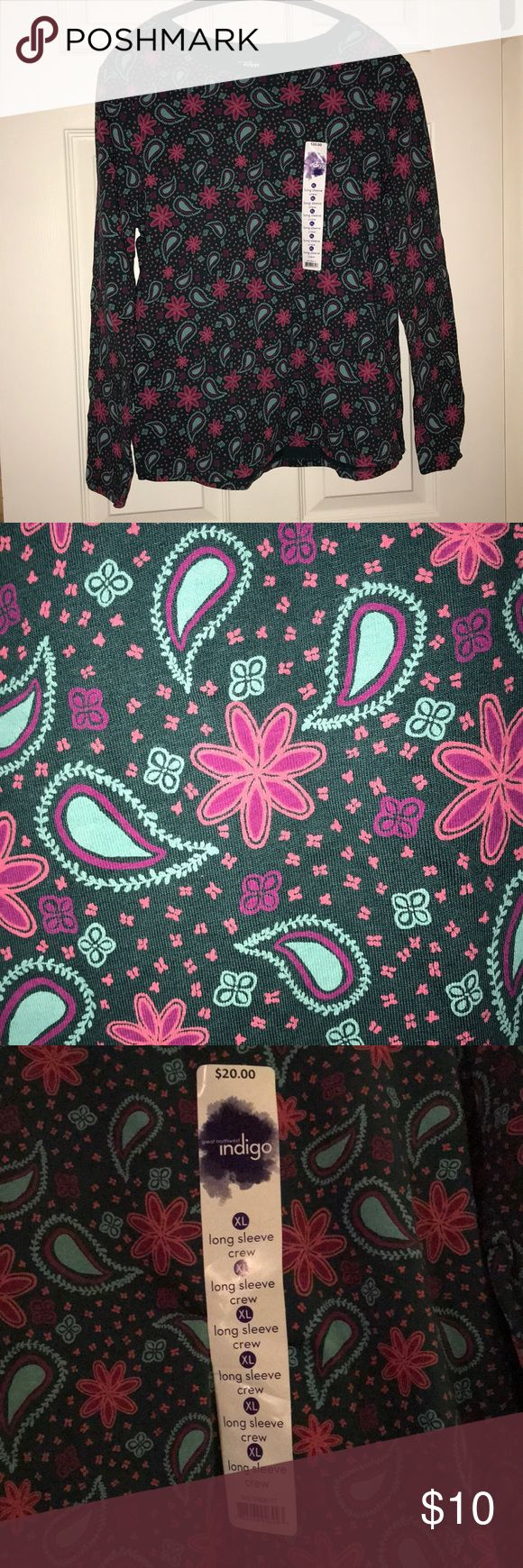 Paisley Long Sleeve Crew Neck T-Shirt Women's XL This is a paisley print shirt: overall emerald-ish green with pink/fuchsia flowers and light blue/teal accents. NWT Great Northwest Indigo Tops Tees - Long Sleeve