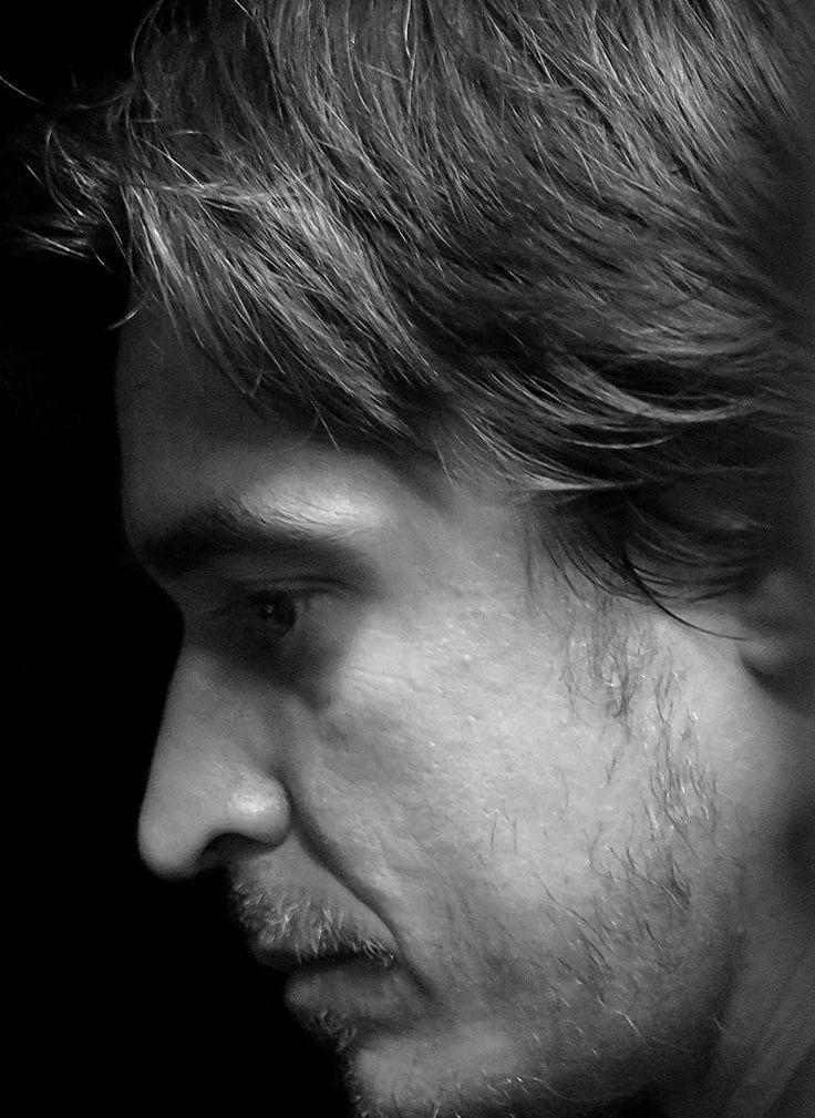Ignacio Escuín. Poeta, editor y profesor en la Universidad de San Jorge de Zaragoza en la que dirige además las actividades culturales.
