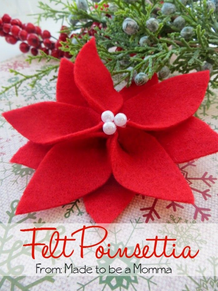 Felt Poinsettia: The perfect Christmas flower. It makes a great gift tag!