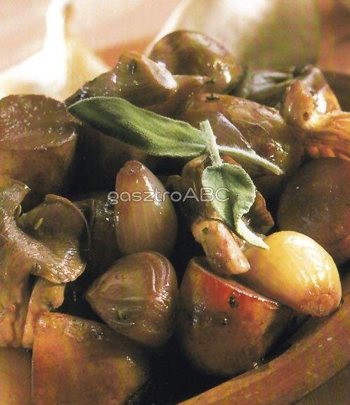 Vörösboros burgonya gombával | Receptek