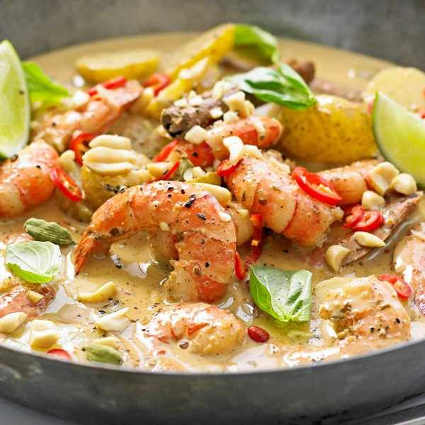 Prawn massaman curry