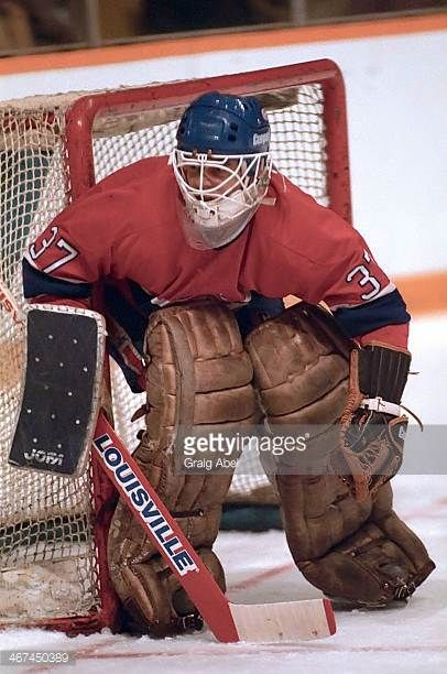 steve-penny-of-the-montreal-canadiens-prepares-for-a-shot-against-the-picture-id467450389 (406×612)