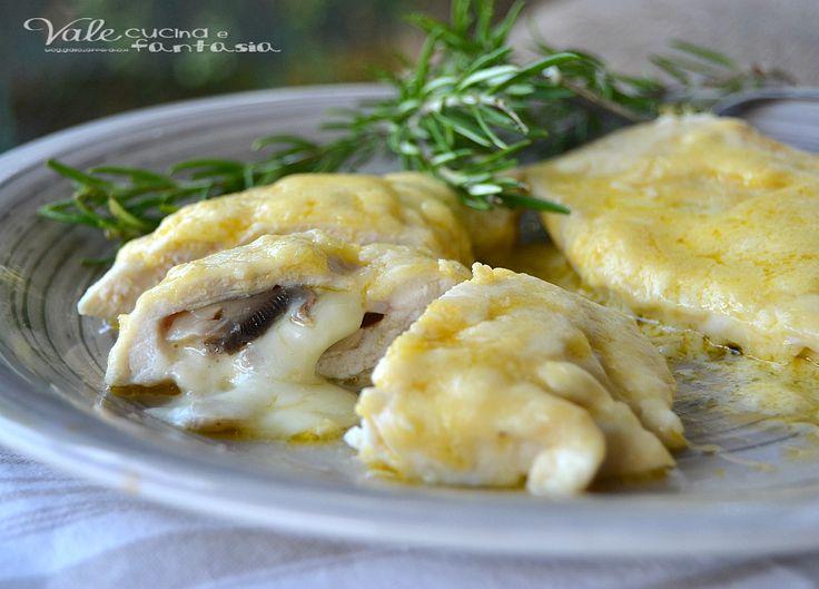 Petti di pollo al latte ripieni di funghi e provola, un delizioso e goloso…