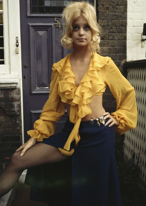 Goldie Hawn I know she isn't RnR but she is in this pic ..love it x