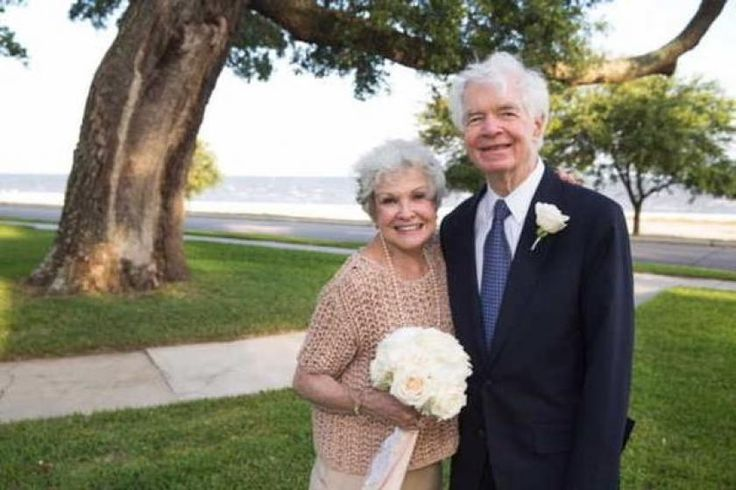 In other news, GOP Sen. Thad Cochran remarries-- to his longtime aide and landlord, amid controversy